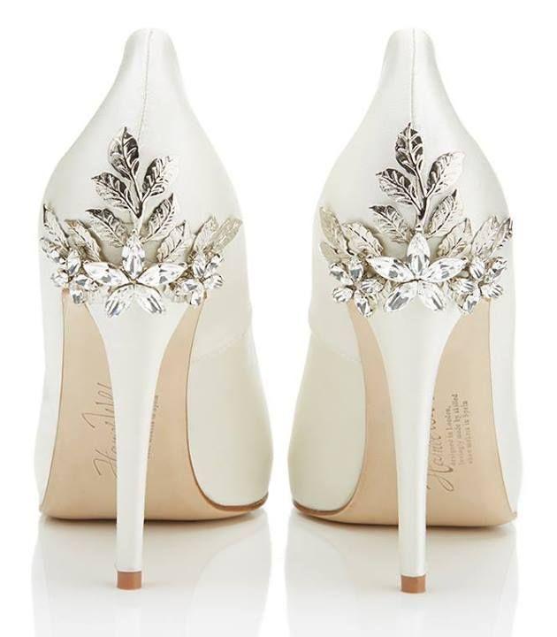 20414c8986 Μοντέρνα Σταχτοπούτα  Οι Τάσεις στα Νυφικά Παπούτσια για το 2017 ...